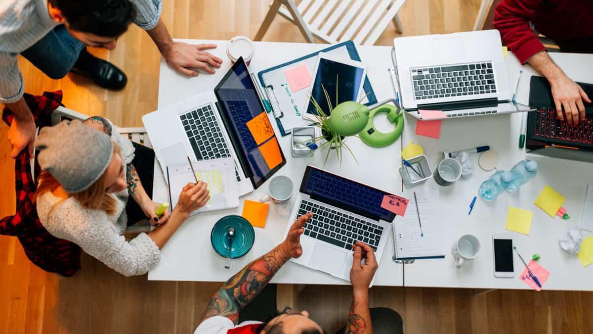 حضور الاجتماعات بدون حاسوب يساعد على تقوية الذاكرة